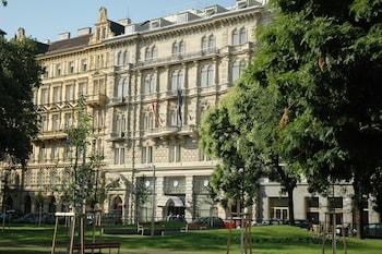 Book K&K Palais Hotel in Vienna.
