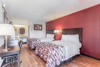 Deluxe Room, 2 Double Beds, Accessible, Non Smoking (Roll-In Shower)