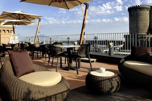 __{offers.Best_flights}__ Mercure Napoli Centro Angioino