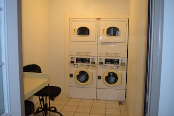 Little Suites Provo - Laundry Room  - #0