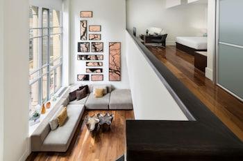 Duplex Suite, Bi-level Suite, 1 Queen, City view
