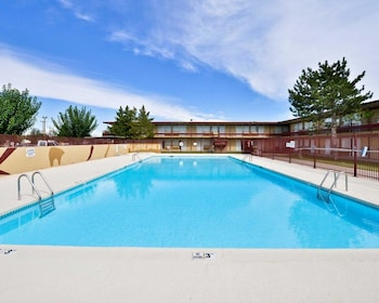 New Mexico Vacations - Econo Lodge - Property Image 1