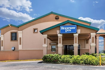 羅德威旅館 Rodeway Inn