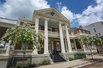 The Guest House Antebellum Mansion