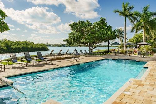 . Fairfield Inn & Suites by Marriott Marathon Florida Keys