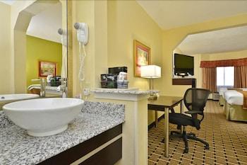 베스트 웨스턴 녹스빌 스위트 - 다운타운(Best Western Knoxville Suites - Downtown) Hotel Image 8 - Guestroom