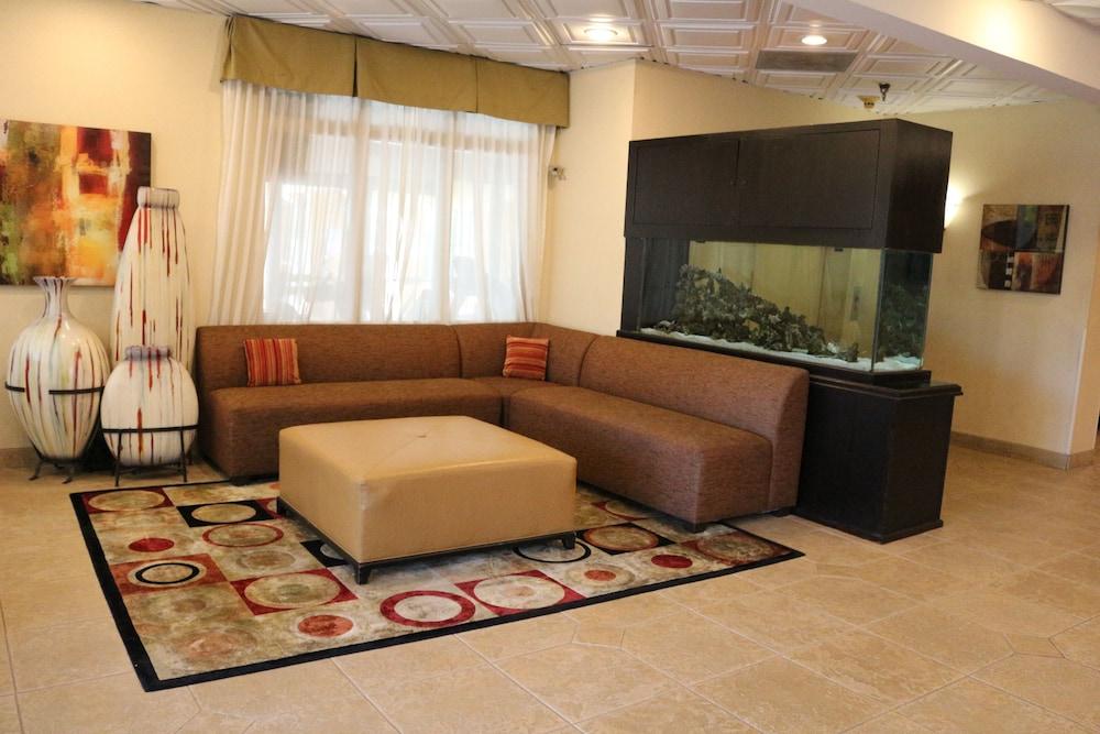 베스트 웨스턴 녹스빌 스위트 - 다운타운(Best Western Knoxville Suites - Downtown) Hotel Image 22 - Living Area