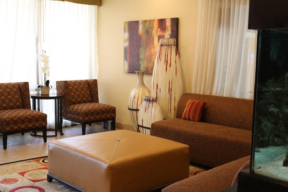 베스트 웨스턴 녹스빌 스위트 - 다운타운(Best Western Knoxville Suites - Downtown) Hotel Image 1 - Lobby Sitting Area