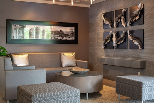 . DoubleTree by Hilton Cleveland Downtown - Lakeside