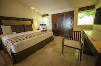 Royal Villa Master Suite Plunge Pool