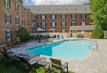 Holiday Inn Express & Suites Merrimack