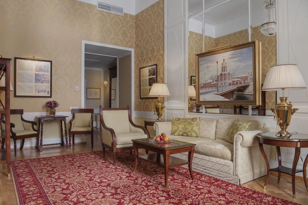 https://i.travelapi.com/hotels/1000000/20000/20000/19960/19e0ddaa_z.jpg
