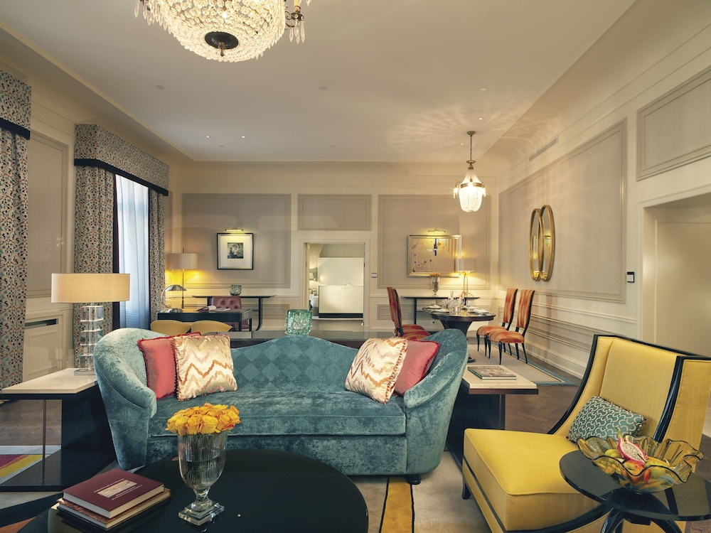 https://i.travelapi.com/hotels/1000000/20000/20000/19960/61449a4c_z.jpg