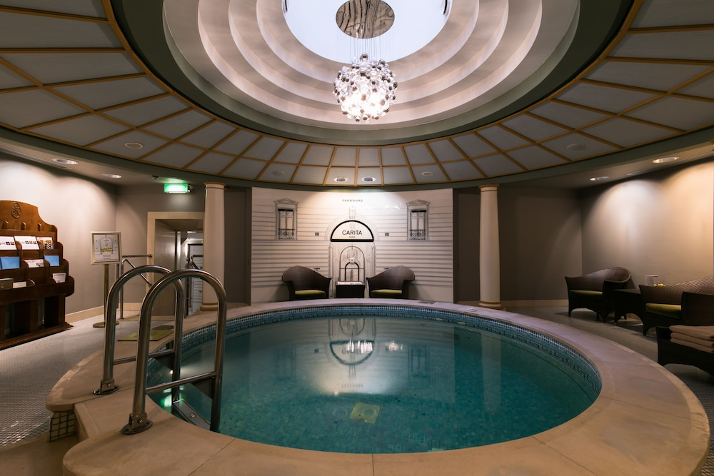 https://i.travelapi.com/hotels/1000000/20000/20000/19960/b4b8b79e_z.jpg