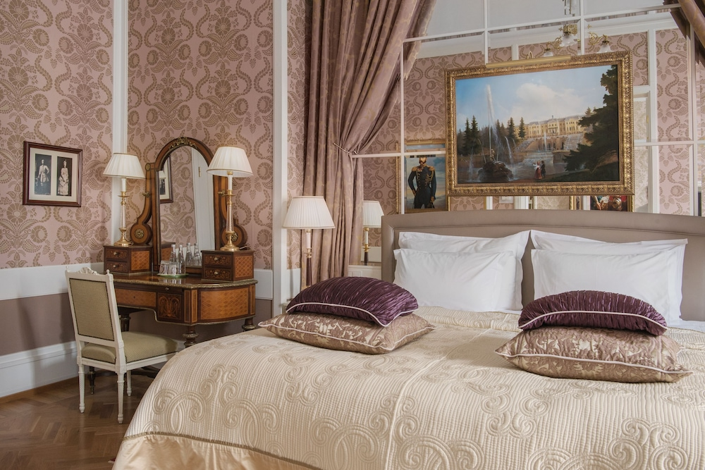 https://i.travelapi.com/hotels/1000000/20000/20000/19960/d8a819ce_z.jpg