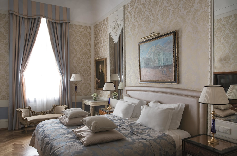 https://i.travelapi.com/hotels/1000000/20000/20000/19960/da82af75_z.jpg