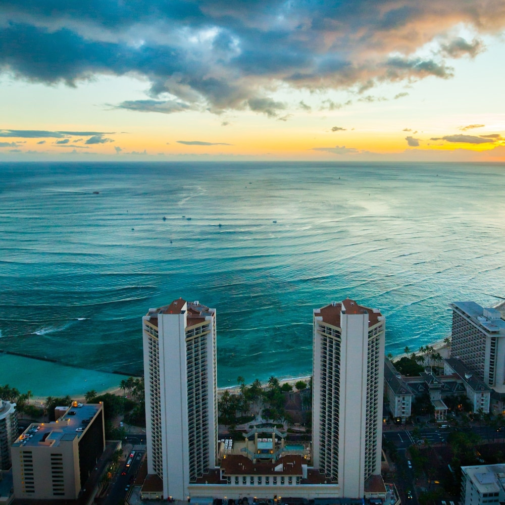 5-Nights Oahu, Hyatt Regency Waikiki Beach Resort & Spa