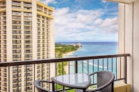 <p><strong>1 King Bed or 2 Queen Beds</strong></p><p>435-sq-foot (40-sq-meter) individually furnished room, lanai with ocean views</p><br/><p><b>Club Level</b> - Club Lounge access, continental breakfast, light refreshments, and Internet access in the lounge</p><p><b>Layout</b> - Bedroom </p><p><b>Internet</b> - Free WiFi </p><p><b>Entertainment</b> - 55-inch flat-screen TV with premium channels, pay movies, iPod dock</p><p><b>Food & Drink</b> - Coffee/tea maker, room service, and free bottled water</p><p><b>Sleep</b> - Premium bedding and blackout drapes/curtains </p><p><b>Bathroom</b> - Private bathroom, bathrobes, and a shower/tub combination with a rainfall showerhead</p><p><b>Practical</b> - Free international calls, laptop-compatible safe, and free weekday newspaper; rollaway/extra beds and free cribs/infant beds available on request</p><p><b>Comfort</b> - Air conditioning and daily housekeeping</p><p><b>Accessibility</b> - Roll-in shower, wheelchair accessible, vibrating pillow alarm, and portable bathtub seat</p><p>Non-Smoking, pet friendly</p><p>Connecting/adjoining rooms can be requested, subject to availability </p>&nbsp;