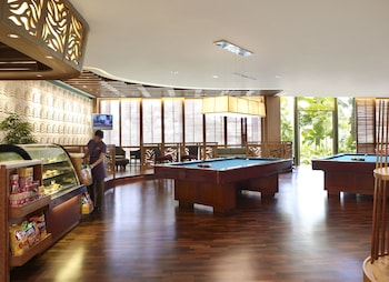 Shangri-La Mactan Game Room