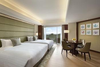 Shangri-La Mactan Room