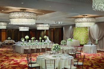 Shangri-La Mactan Indoor Wedding
