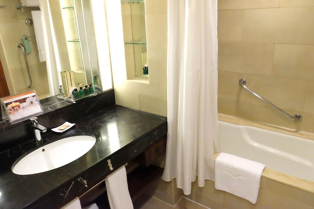 シャングリ・ラ マクタン リゾート & スパ