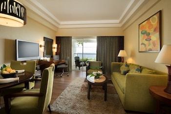 Shangri-La Mactan Living Room