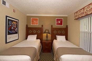Guestroom at Westgate Blue Tree Resort in Lake Buena Vista in Orlando