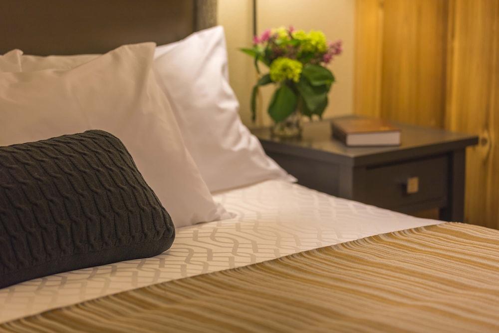 https://i.travelapi.com/hotels/1000000/200000/191600/191544/51ca1823_z.jpg