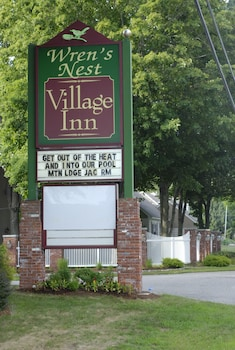 Hotel - Wrens Nest Village Inn