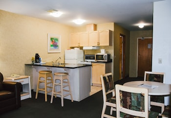 Family Room, Multiple Beds, Non Smoking, Kitchen