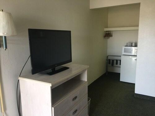 Americas Best Value Inn & Suites - East Toledo/Millbury, Wood