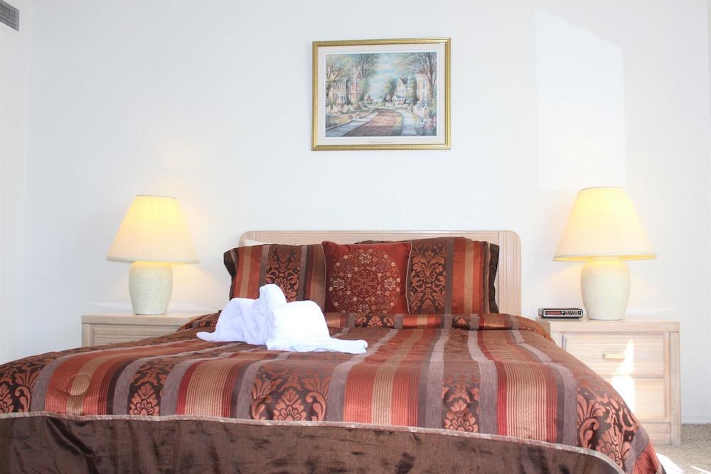 Townhome, 3 Bedrooms (MK010)