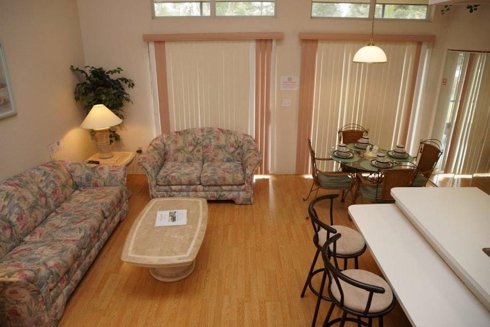 Townhome, 3 Bedrooms (MK014)