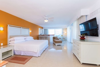Junior Suite Ocean Front View with hot tub - 2 adults
