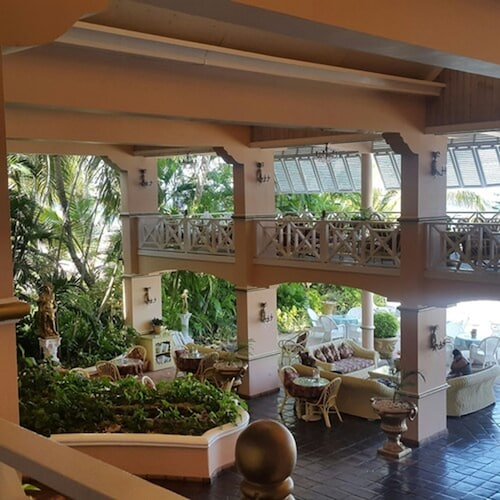 . Coco Reef Resort and Spa