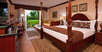 Luxury Room, 1 Bedroom, Garden View (French Village Walkout Room Double)