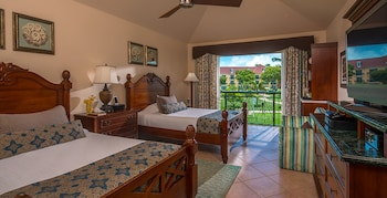 Luxury Room, 2 Double Beds, Garden View (French Village)