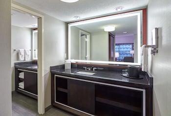 Mystic Lake Casino Hotel - Bathroom  - #0