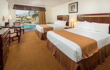 Room, 2 Queen Beds, Garden View