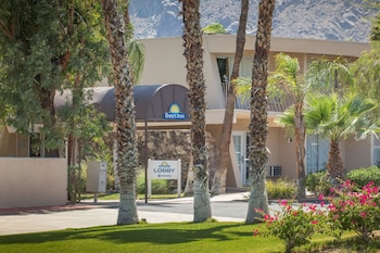 棕櫚泉溫德姆戴斯飯店 Days Inn by Wyndham Palm Springs