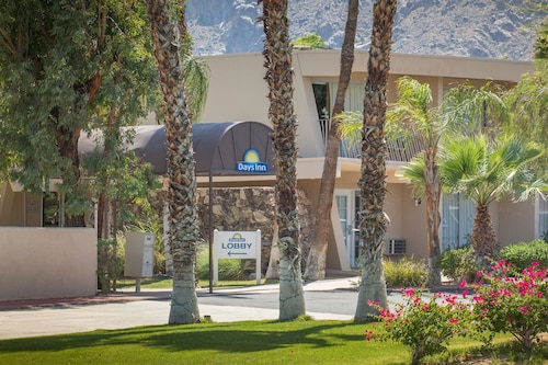 __{offers.Best_flights}__ Days Inn by Wyndham Palm Springs