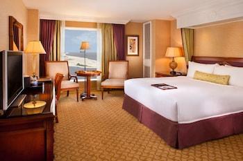 Deluxe Room, 1 King Bed, Ocean View