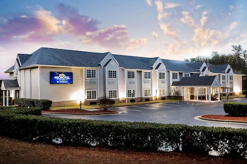 . Microtel Inns & Suites by Wyndham Southern Pines / Pinehurst