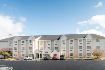 Hotel - Microtel Inn & Suites by Wyndham North Canton