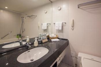 CENTURY SOUTHERN TOWER HOTEL Bathroom