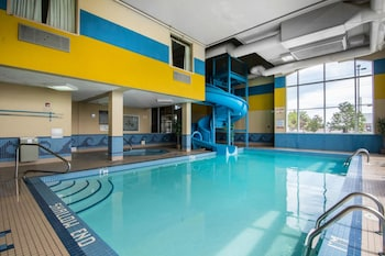 Calgary Vacations - Comfort Inn & Suites Airport South - Property Image 1
