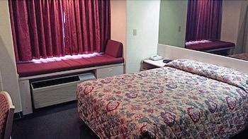 Chadron Inn & Suites - Bathroom  - #0