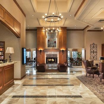 Lobby Sitting Area at Sonesta Suites Scottsdale Gainey Ranch in Scottsdale