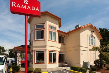 Ramada by Wyndham SeaTac Airport North photo